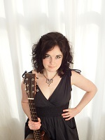 Lisa - Vocalist and guitarist in the East Midlands
