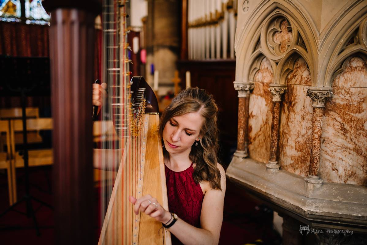 Harpist - Eleanor in Buckinghamshire